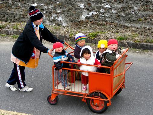 「人力娃娃車」的圖片搜尋結果